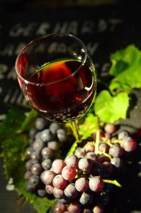 wine-glass-951312_1920